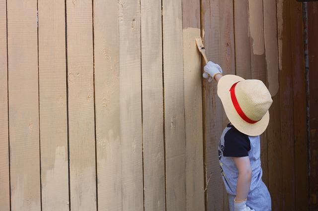 Festett kerítés
